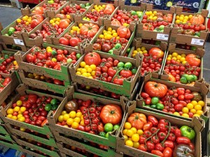 550x410xFruit-and-Vegetable-Market-Report-December-2013-Tomatoes.jpg.pagespeed.ic.iEZrKVINKz